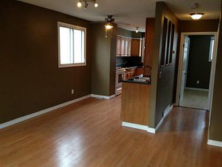 Photo 5: 2828 13 Avenue SE in Calgary: Albert Park Residential Attached for sale : MLS®# C3644766