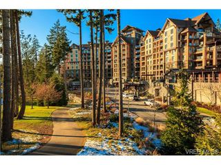 Photo 2: 223 1400 Lynburne Pl in VICTORIA: La Bear Mountain Condo for sale (Langford)  : MLS®# 687735