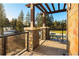 Photo 4: 223 1400 Lynburne Pl in VICTORIA: La Bear Mountain Condo for sale (Langford)  : MLS®# 687735