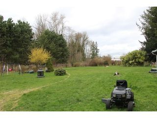 "Photo 2: 23715 46B Avenue in Langley: Salmon River House for sale in ""Salmon River/Poppy area"" : MLS®# F1435203"
