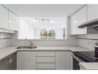 "Photo 1: 601 1500 HOWE Street in Vancouver: Yaletown Condo for sale in ""THE DISCOVERY"" (Vancouver West)  : MLS®# V1136345"