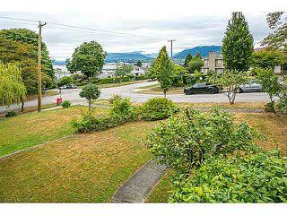 """Photo 3: 3606 ETON Street in Vancouver: Hastings East House for sale in """"HASTINGS EAST/VANCOUVER HEIGHTS"""" (Vancouver East)  : MLS®# V1140704"""
