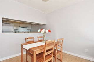 """Photo 5: 903 9623 MANCHESTER Drive in Burnaby: Cariboo Condo for sale in """"STRATHMORE TOWERS"""" (Burnaby North)  : MLS®# R2004016"""