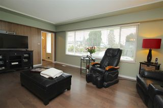 Photo 3: 2051 YEOVIL Avenue in Burnaby: Montecito House for sale (Burnaby North)  : MLS®# R2028496