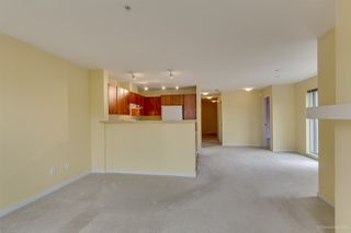 "Photo 8: 411 6508 DENBIGH Avenue in Burnaby: Forest Glen BS Condo for sale in ""OAKWOOD"" (Burnaby South)  : MLS®# R2085084"