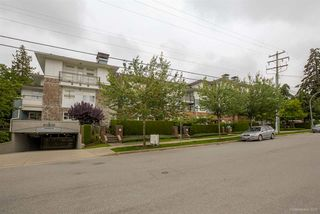 "Photo 2: 411 6508 DENBIGH Avenue in Burnaby: Forest Glen BS Condo for sale in ""OAKWOOD"" (Burnaby South)  : MLS®# R2085084"