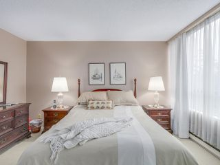 """Photo 11: 301 2189 W 42ND Avenue in Vancouver: Kerrisdale Condo for sale in """"GOVERNOR POINT"""" (Vancouver West)  : MLS®# R2098848"""