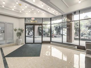 "Photo 2: 301 2189 W 42ND Avenue in Vancouver: Kerrisdale Condo for sale in ""GOVERNOR POINT"" (Vancouver West)  : MLS®# R2098848"
