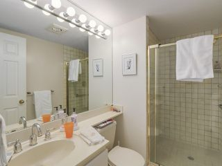 "Photo 15: 301 2189 W 42ND Avenue in Vancouver: Kerrisdale Condo for sale in ""GOVERNOR POINT"" (Vancouver West)  : MLS®# R2098848"