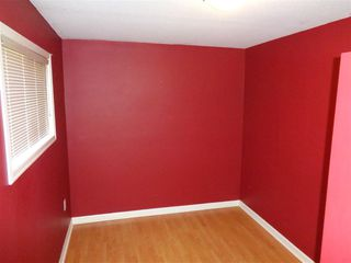 Photo 3: 241 CARIBOO Avenue in Hope: Hope Center House for sale : MLS®# R2104090