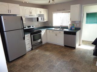 Photo 2: 241 CARIBOO Avenue in Hope: Hope Center House for sale : MLS®# R2104090