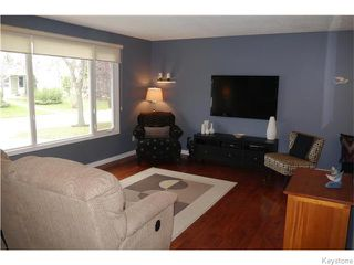 Photo 3: 37 Santa Clara Crescent in Winnipeg: Waverley Heights Residential for sale (1L)  : MLS®# 1626853