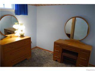 Photo 16: 37 Santa Clara Crescent in Winnipeg: Waverley Heights Residential for sale (1L)  : MLS®# 1626853