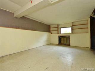 Photo 17: 1110 Topaz Ave in VICTORIA: Vi Hillside House for sale (Victoria)  : MLS®# 745504