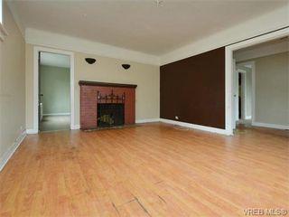 Photo 4: 1110 Topaz Ave in VICTORIA: Vi Hillside House for sale (Victoria)  : MLS®# 745504