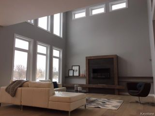 Photo 2: 409 Scotswood Drive South in Winnipeg: Charleswood Residential for sale (1G)  : MLS®# 1701295