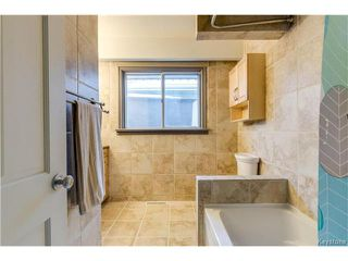 Photo 11: 241 Gilmore Avenue in Winnipeg: North Kildonan Residential for sale (3G)  : MLS®# 1703377
