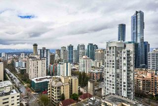 """Photo 16: 2005 1028 BARCLAY Street in Vancouver: West End VW Condo for sale in """"PATINA"""" (Vancouver West)  : MLS®# R2149030"""
