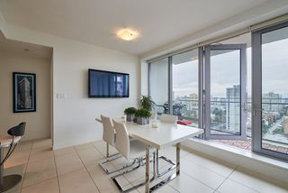 """Photo 2: 2005 1028 BARCLAY Street in Vancouver: West End VW Condo for sale in """"PATINA"""" (Vancouver West)  : MLS®# R2149030"""