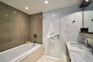 """Photo 10: 2005 1028 BARCLAY Street in Vancouver: West End VW Condo for sale in """"PATINA"""" (Vancouver West)  : MLS®# R2149030"""