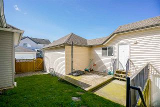 """Photo 18: 16448 60TH Avenue in Surrey: Cloverdale BC House for sale in """"West Cloverdale"""" (Cloverdale)  : MLS®# R2154584"""