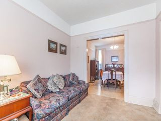 Photo 5: 48 Follis Avenue in Toronto: Annex House (2 1/2 Storey) for sale (Toronto C02)  : MLS®# C3796407