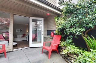 """Photo 1: 14 230 W 15TH Street in North Vancouver: Central Lonsdale Townhouse for sale in """"Lamplighter"""" : MLS®# R2166295"""