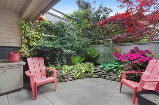 """Photo 2: 14 230 W 15TH Street in North Vancouver: Central Lonsdale Townhouse for sale in """"Lamplighter"""" : MLS®# R2166295"""