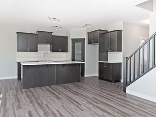 Photo 3: 72 NOLANLAKE Point(e) NW in Calgary: Nolan Hill House for sale : MLS®# C4120132