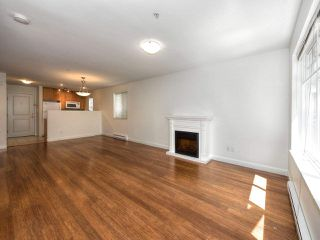 Photo 3: 265 E 46TH Avenue in Vancouver: Main House for sale (Vancouver East)  : MLS®# R2188878
