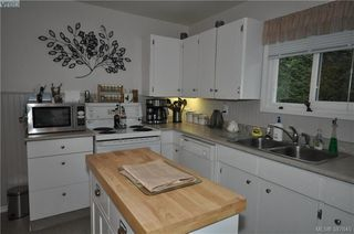 Photo 13: 6225 Pat Bay Hwy in VICTORIA: CS Martindale House for sale (Central Saanich)  : MLS®# 779030