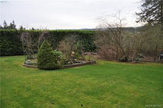 Photo 3: 6225 Pat Bay Hwy in VICTORIA: CS Martindale House for sale (Central Saanich)  : MLS®# 779030