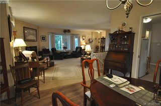 Photo 12: 6225 Pat Bay Hwy in VICTORIA: CS Martindale House for sale (Central Saanich)  : MLS®# 779030