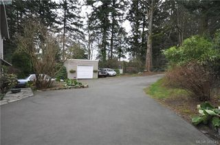 Photo 6: 6225 Pat Bay Hwy in VICTORIA: CS Martindale House for sale (Central Saanich)  : MLS®# 779030