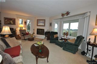 Photo 11: 6225 Pat Bay Hwy in VICTORIA: CS Martindale House for sale (Central Saanich)  : MLS®# 779030