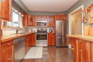 Photo 6: 2221 Amherst Ave in SIDNEY: Si Sidney North-East House for sale (Sidney)  : MLS®# 781353