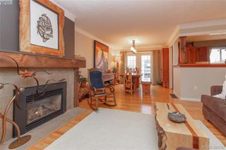 Photo 4: 2221 Amherst Ave in SIDNEY: Si Sidney North-East House for sale (Sidney)  : MLS®# 781353