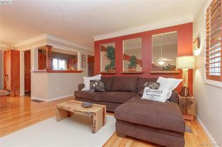 Photo 3: 2221 Amherst Ave in SIDNEY: Si Sidney North-East House for sale (Sidney)  : MLS®# 781353