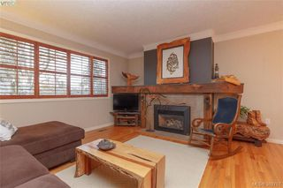 Photo 2: 2221 Amherst Ave in SIDNEY: Si Sidney North-East House for sale (Sidney)  : MLS®# 781353
