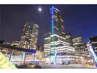"""Main Photo: 3203 1077 W CORDOVA Street in Vancouver: Coal Harbour Condo for sale in """"SHAW TOWER"""" (Vancouver West)  : MLS®# R2255573"""