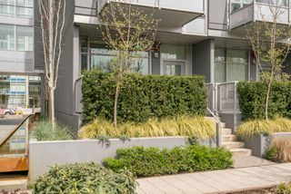 "Photo 3: 146 E 1ST Avenue in Vancouver: Mount Pleasant VE Condo for sale in ""Meccanica"" (Vancouver East)  : MLS®# R2259296"