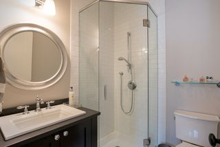 "Photo 26: 3895 SUNNYCREST Drive in North Vancouver: Edgemont House for sale in ""EDGEMONT"" : MLS®# R2259581"