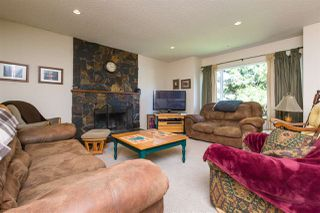 Photo 2: 6031 132A Street in Surrey: Panorama Ridge House for sale : MLS®# R2264878