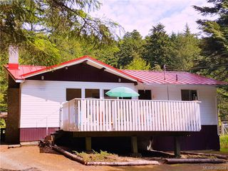 Main Photo: 27112 Schooner Way in PENDER ISLAND: GI Pender Island Single Family Detached for sale (Gulf Islands)  : MLS®# 391724