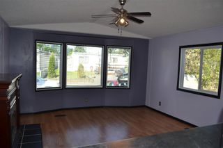 Photo 3: 539 Evergreen Park NW in Edmonton: Zone 51 Mobile for sale : MLS®# E4113142