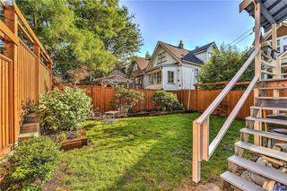 Photo 2: 835 Bay Street in VICTORIA: Vi Central Park Single Family Detached for sale (Victoria)  : MLS®# 395796