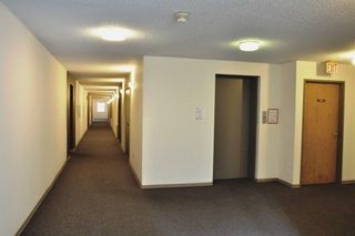 "Photo 3: 101 9584 MANCHESTER Drive in Burnaby: Cariboo Condo for sale in ""BROOKSIDE PARK"" (Burnaby North)  : MLS®# R2296203"