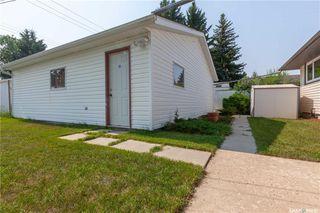 Photo 40: 220 Lake Crescent in Saskatoon: Grosvenor Park Residential for sale : MLS®# SK744275