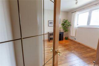 Photo 23: 220 Lake Crescent in Saskatoon: Grosvenor Park Residential for sale : MLS®# SK744275