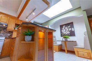 Photo 15: 220 Lake Crescent in Saskatoon: Grosvenor Park Residential for sale : MLS®# SK744275